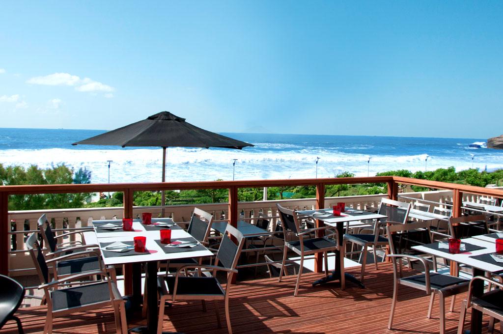 Restaurant vue mer le Steak House à Biarritz au dessus de la Grande Plage.