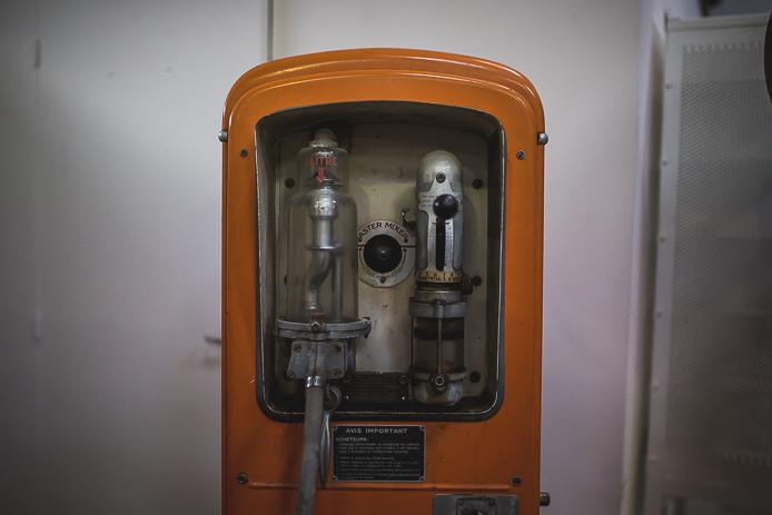 Pompe à essence à La Ruche Moderne à Anglet