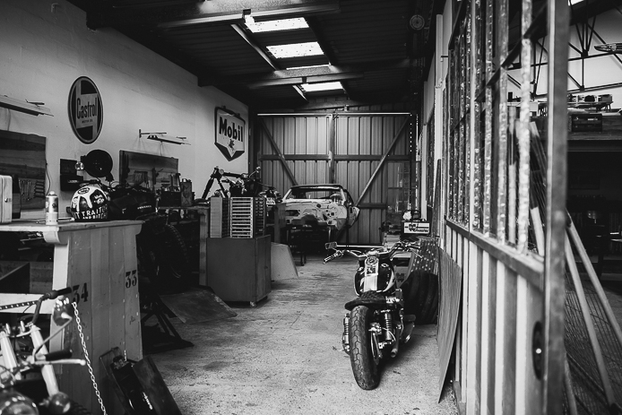 D 233 Co Garage Moto Vintage