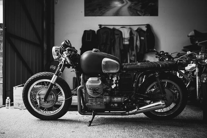 Showroom motos à l'atelier La Ruche Moderne à Anglet
