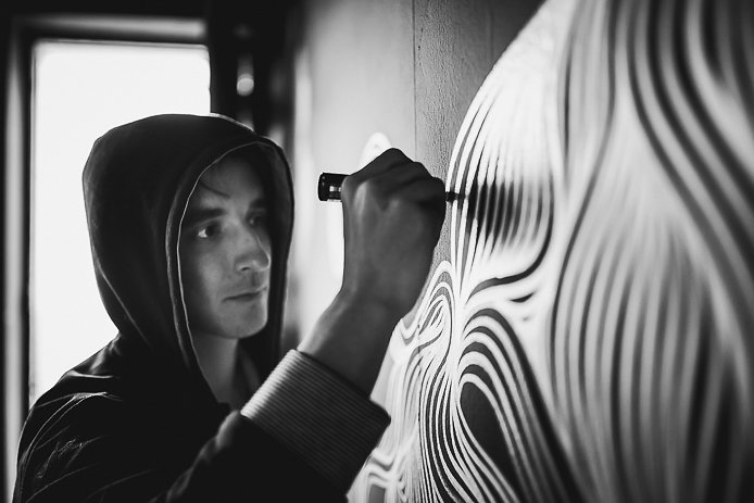 L'artiste Nicolas Leborgne alias Odo pendant l'expo Art in House à Anglet