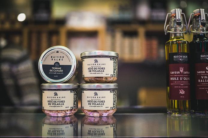 Paté et huile d'olives aux truffes de la Maison Balme.