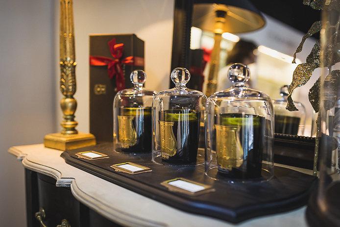 Bougies parfumées Cire Trudon en vente chez Pure Essence à Biarritz.