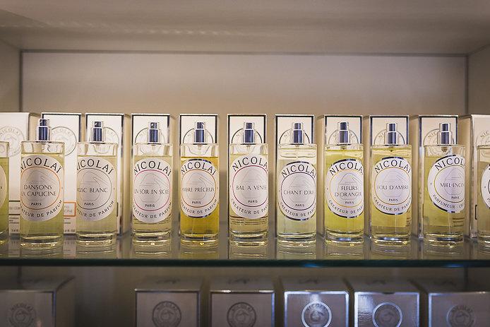 Parfums d'ambiance pour la maison Nicolaï en vente chez Pure Essence à Biarritz.