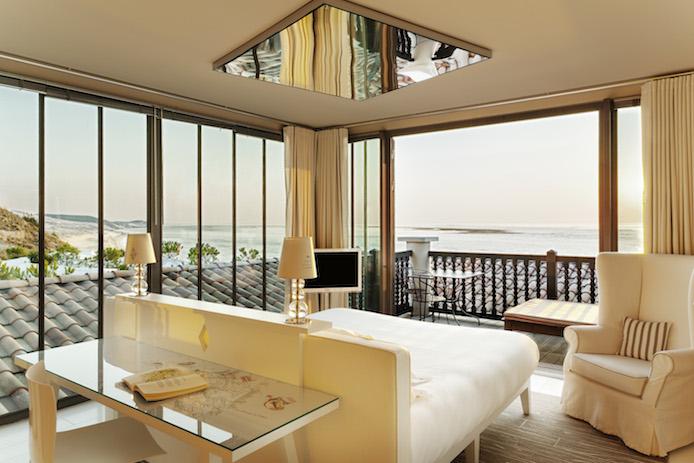 Chambre ostréiculteur par Starck de l'hôtel La Corniche à Pyla sur Mer.