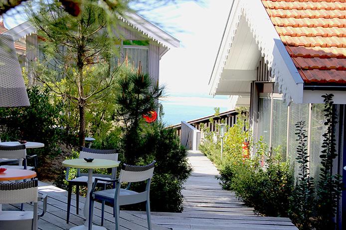 Cabanes Starck à l'hôtel 5 étoiles de la Coorniche sur la Dune du Pyla.