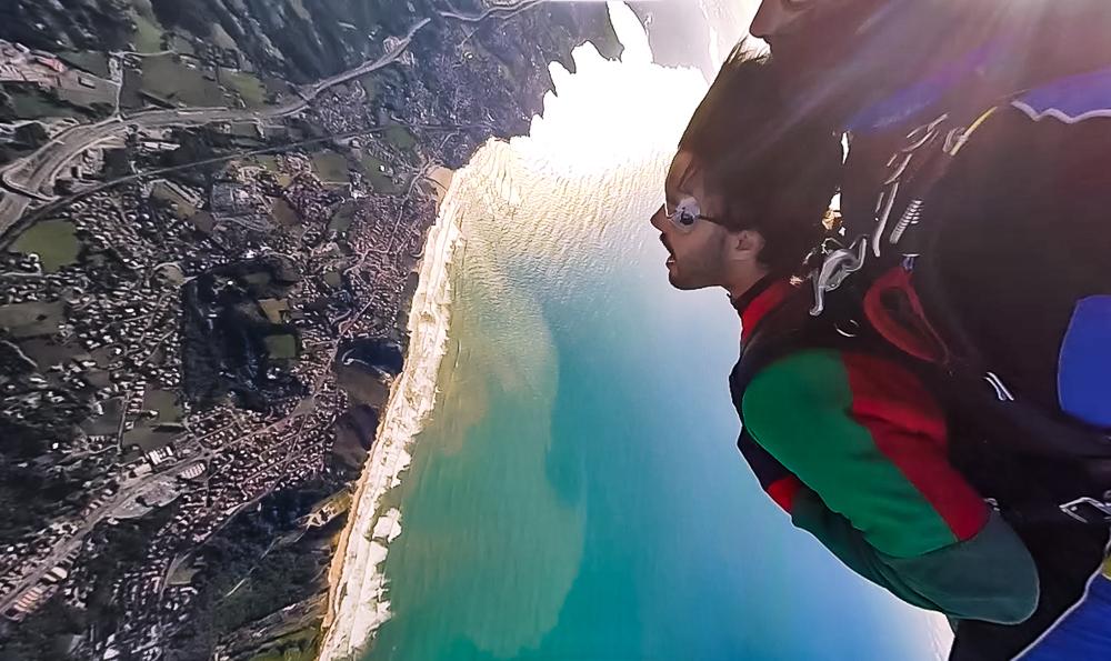 Saut en parachute avec Air Evasion au Pays basque.