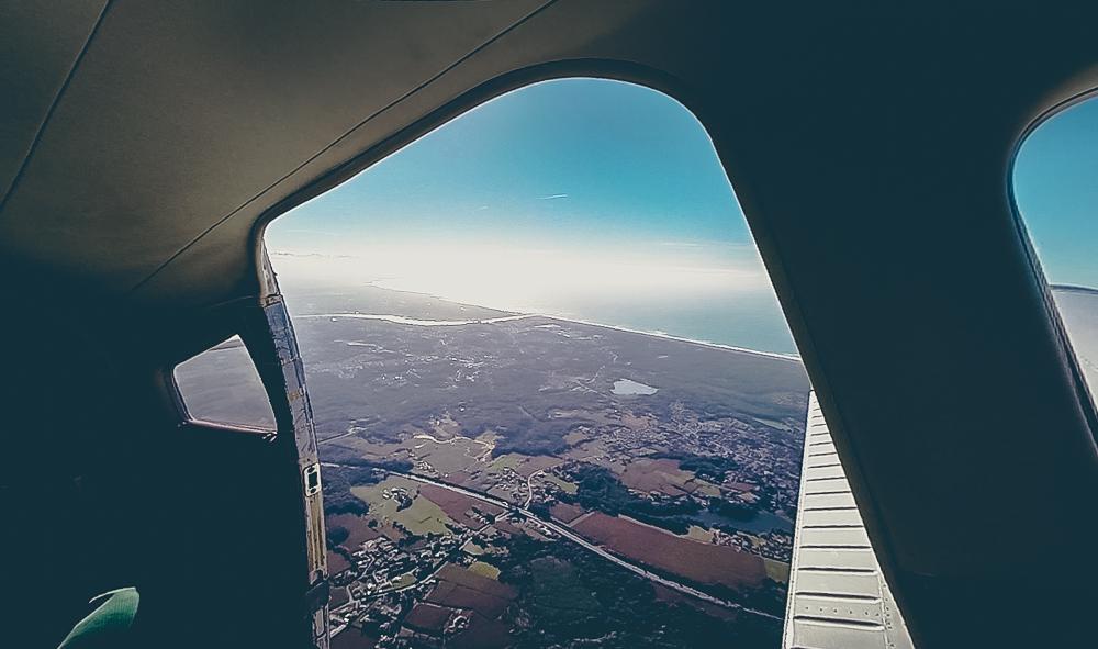 Vue depuis l'avion avec Air Evasion chute libre à Biarritz.