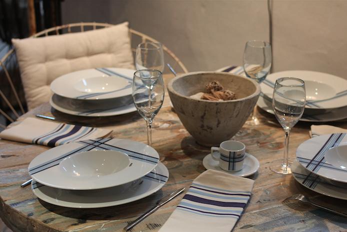 Art de la table par la vaisselle basque en porcelaine Muxu.