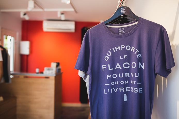 Tee-shirt StepArt en vente à la boutique d'Hossegor.