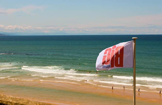 Plage de la Côte des Basques à Biarritz pendant le Big Festival.