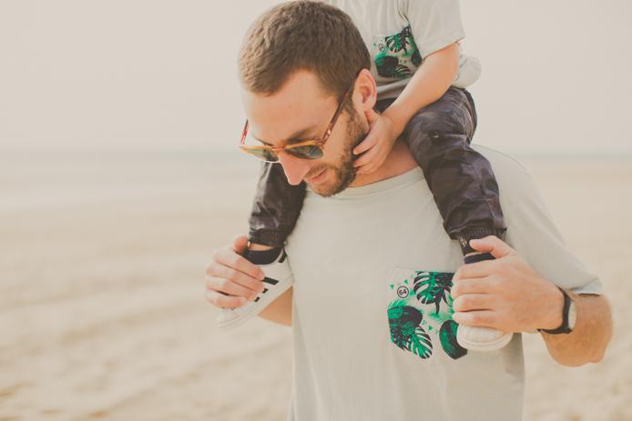 Tee-shirts de la marque 64 pour homme et enfants confectionnés à Guéthary.
