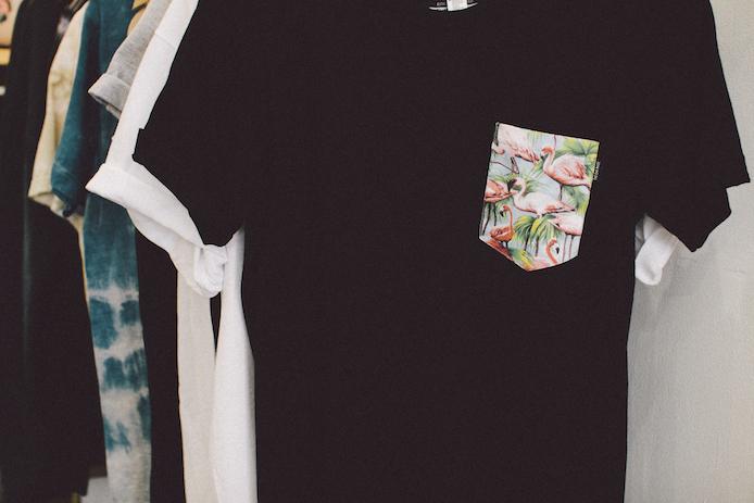 Tee-shirt pocket personnalisés avec The End Made au concept store Helder à Biarritz.