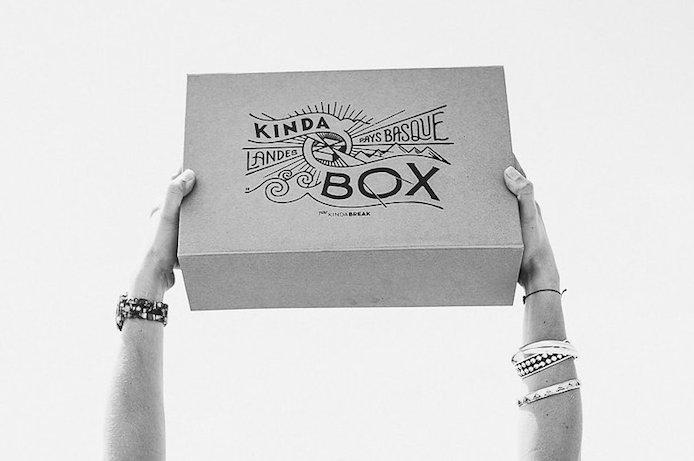 Kinda Box illustrée par l'artiste Steven Burke.