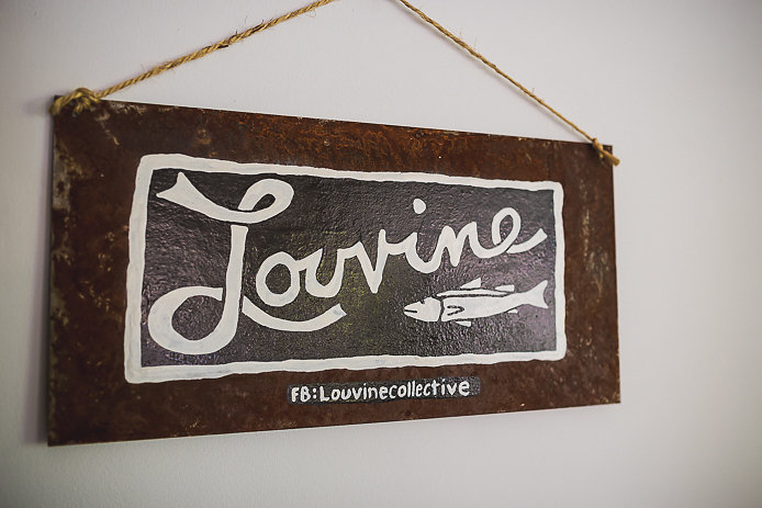 Pancarte logo Louvine collective Seignosse.