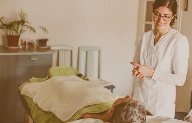 Massage à domicile par Elodie d'Esprit Léger sur Anglet, Biarritz et Bayonne.