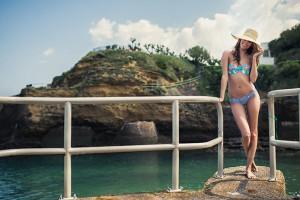 Victoria Vergara égérie de Sowe maillots de bain à Biarritz.