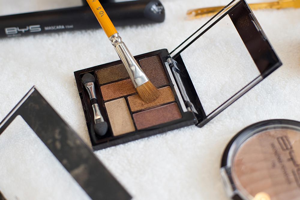 Fards à paupières BYS Maquillage en vente en France.