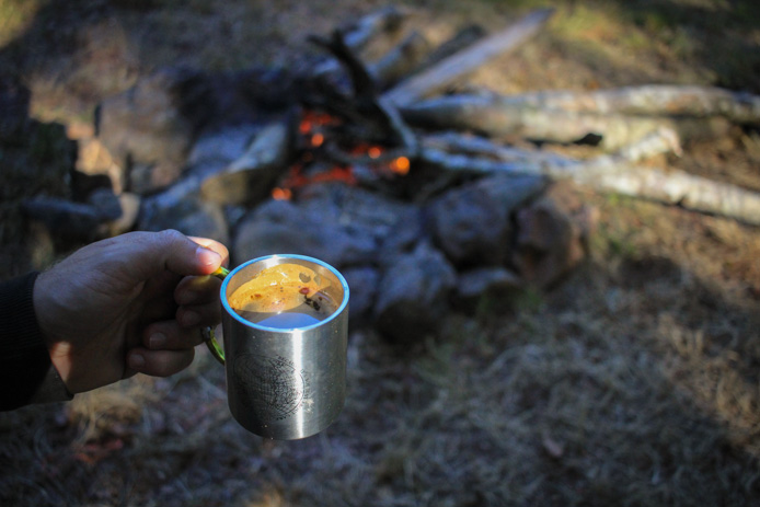 Tasse Eq au camping d'Iraty.