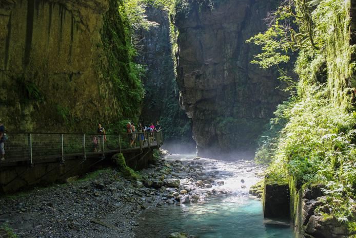 Passerelle aménagée des Gorges de Kakuetta au Pays basque.