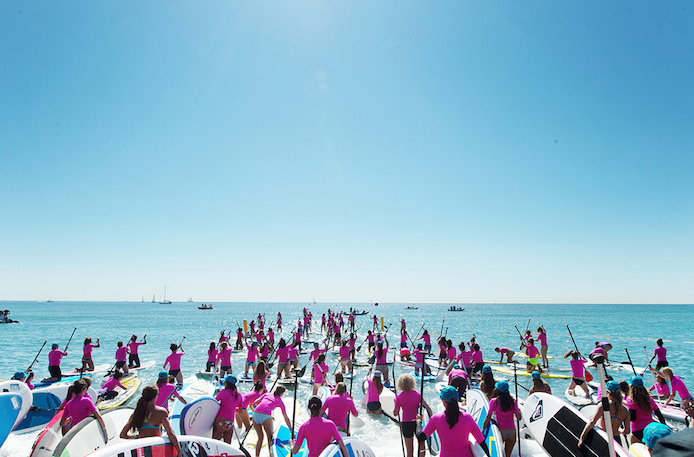 Yoga lors du Roxy Run Sup Yoga à Hossegor en octobre.