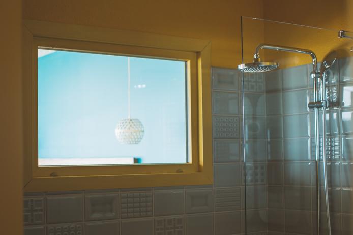 Salle de bain traversante chambre panoramique hotel Baya Capbreton.