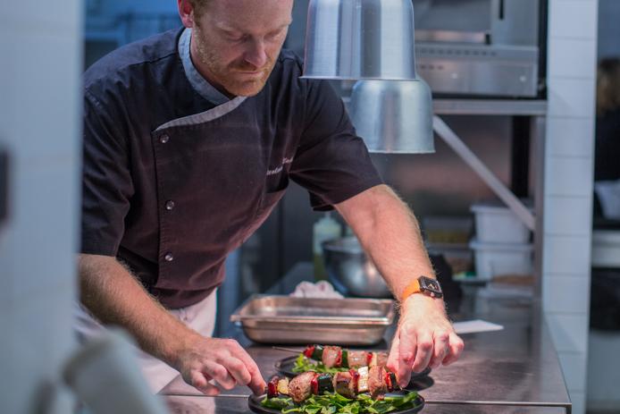 Le chef Nicolas Mahieu de l'hôtel restaurant le Baya à Capbreton.