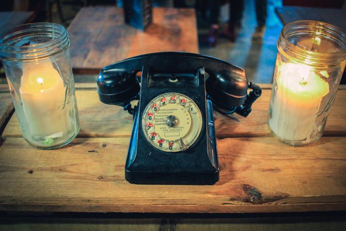 Téléphone années 60 déco recup chez Darwin eco systeme Bordeaux