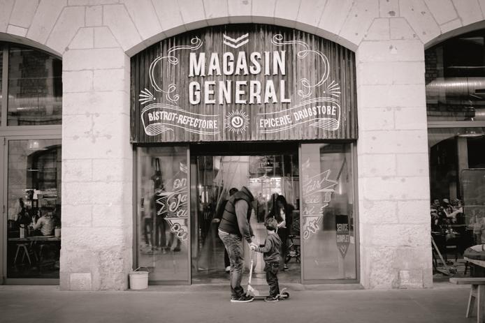 Devanture du Magasin Général de Darwin à Bordeaux