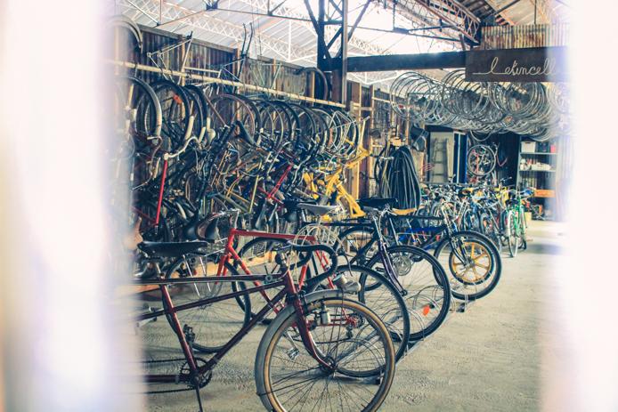 Réparation de vélos pieces détachées chez Darwin eco systeme Bordeaux Rive droite