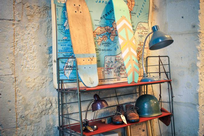 Skate et lampes en vente chez Darwin Bordeaux