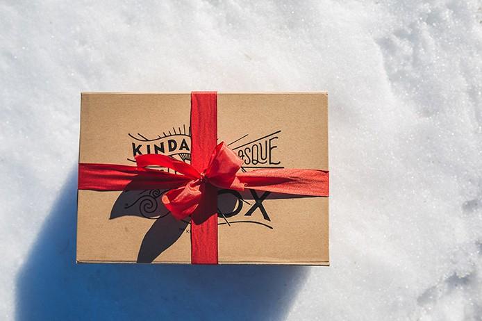 La Kinda Box de Noël, la boite surprise de produits locaux par Kinda Break.