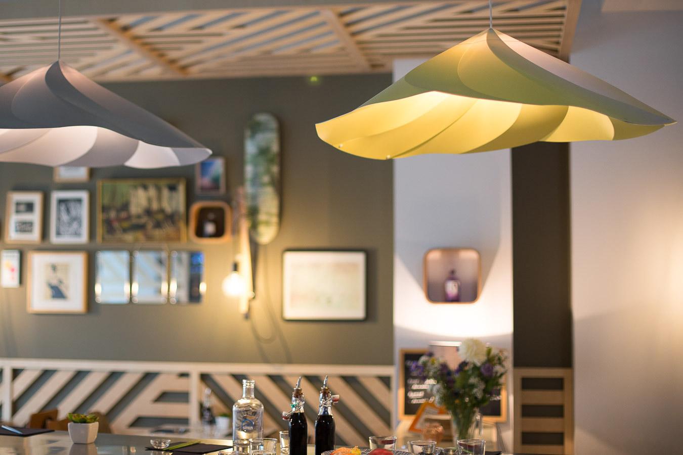 Déco design et moderne du restaurant You Sushi à Bayonne réalisé par un architecte.