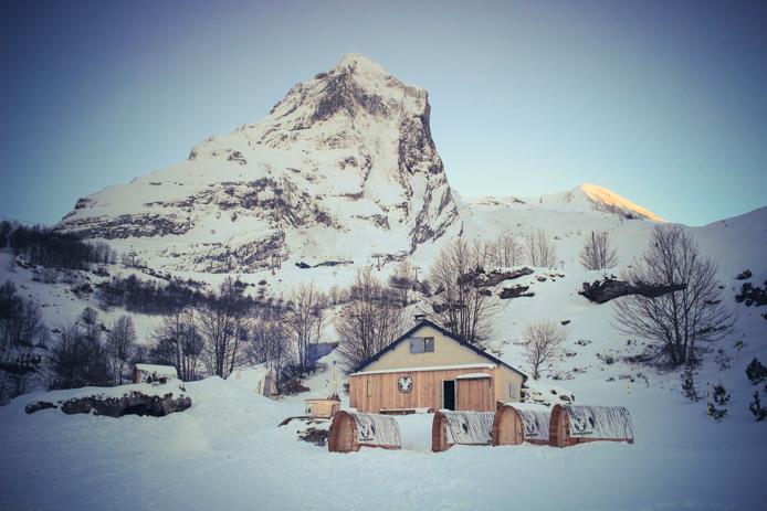 Village nordique dans la station de ski de Gourette.