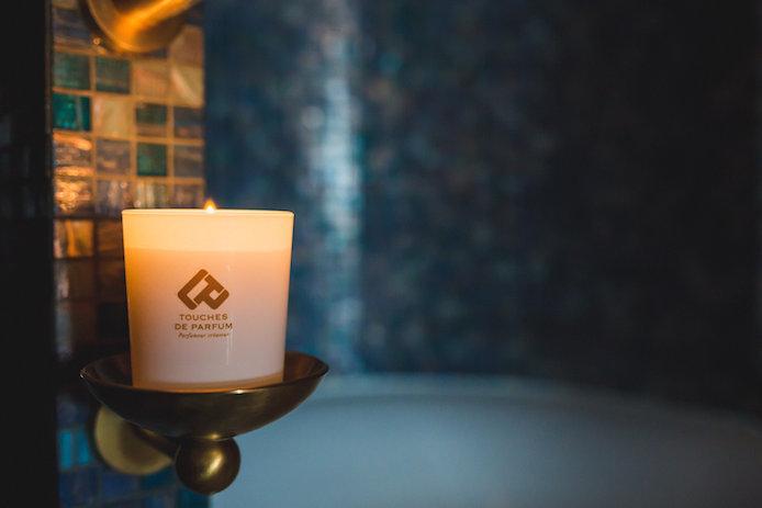 Bougie Touches de Parfum dans la Secret Box de l'Hôtel du Palais à Biarritz.