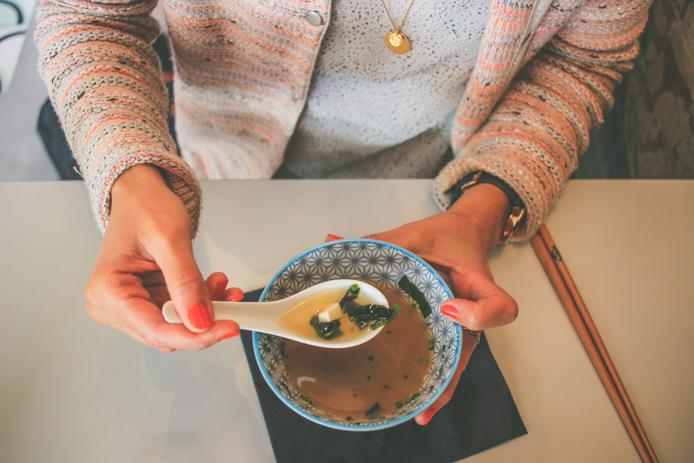 Soupe miso du restaurant japonais You Sushi au Pays basque