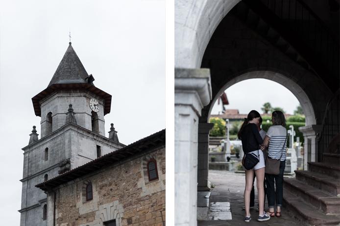Eglise du village basque d'Ainhoa en visite avec le circuit Bascovivo