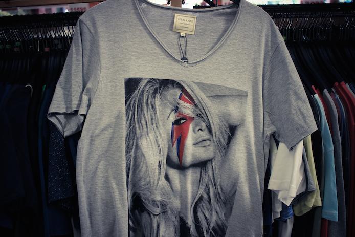 Tee-shirt Eleven Paris en vente au magasin Au Fil des Marques à Biarritz.