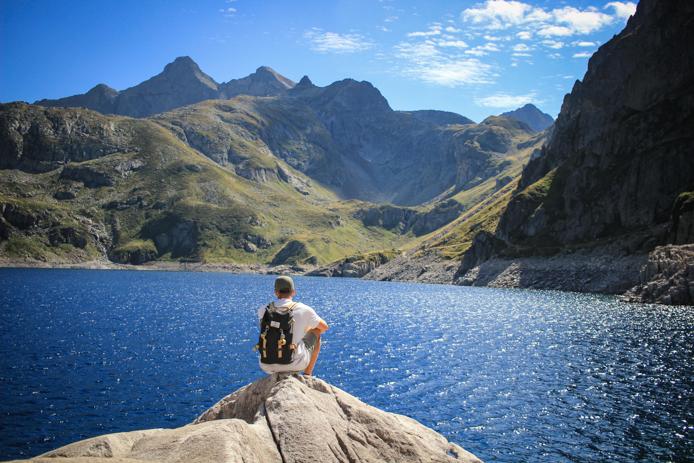 Lac d'Artouste accessible par le Petit Train d'Artouste dans les Pyrénées Vallée d'Ossau.