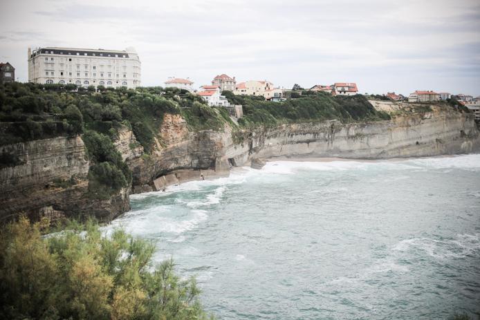 Patio de l'hôtel Regina à Biarritz