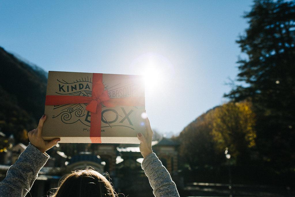 Kinda Box #5 Noël 2016 coffret cadeaux Landes et Pays basque