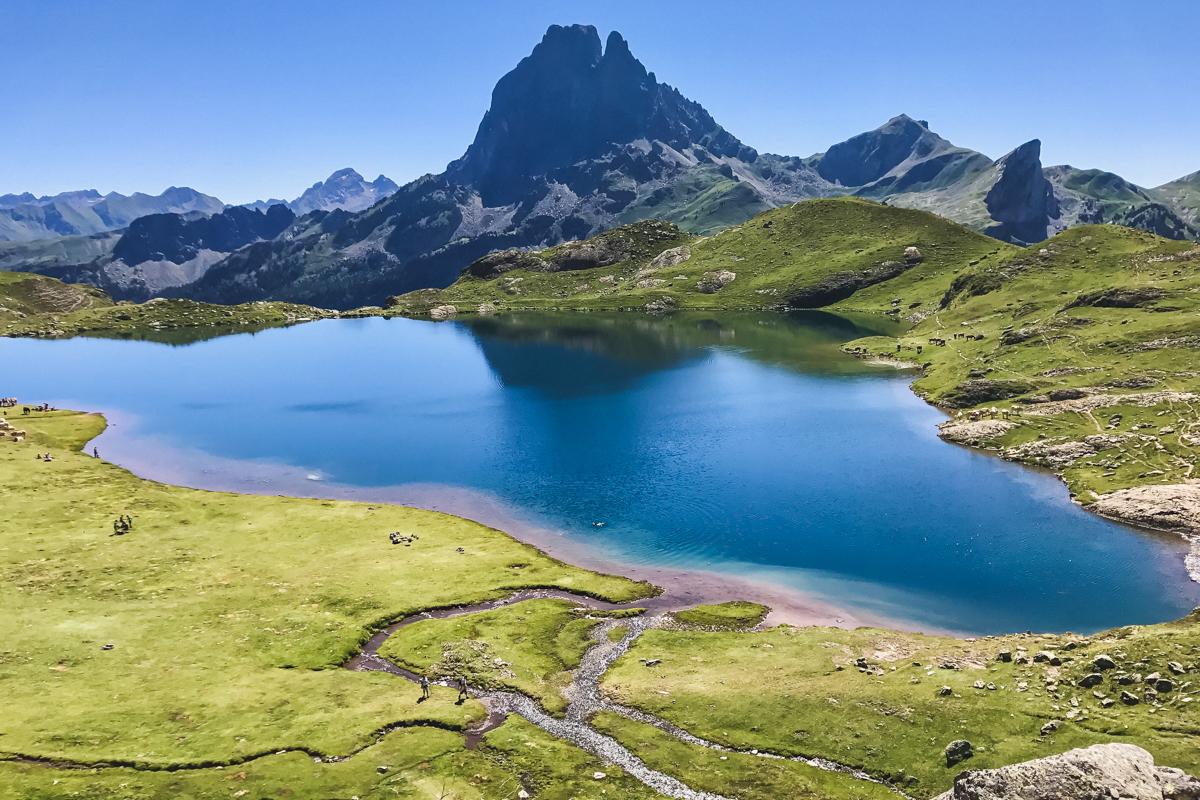 Randonnées des Lacs d'Ayous dans les Pyrénées en Vallée d'Ossau ici lac Gentau