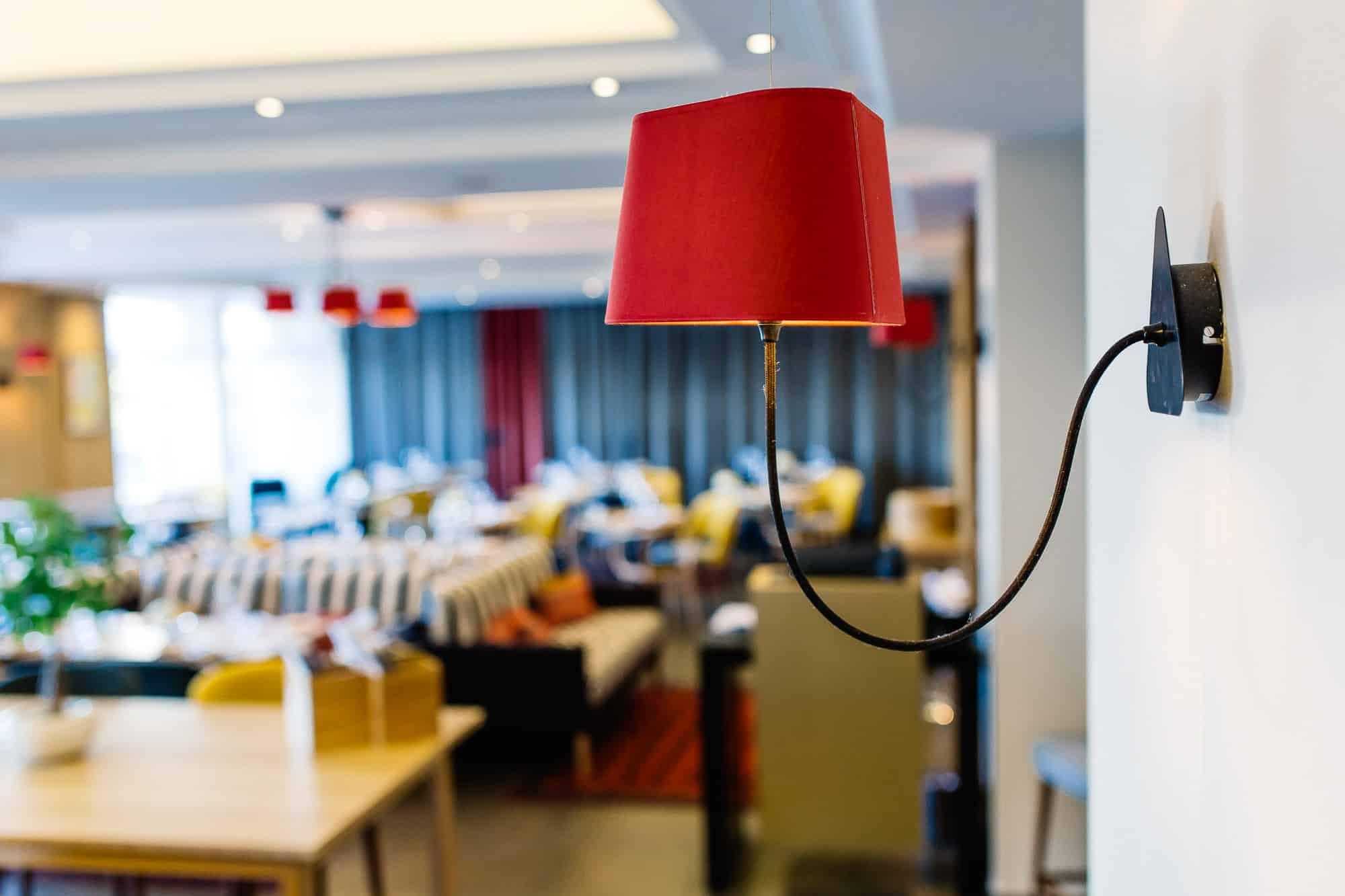 Salle du restaurant Iqori de l'Hôtel Regina à Biarritz