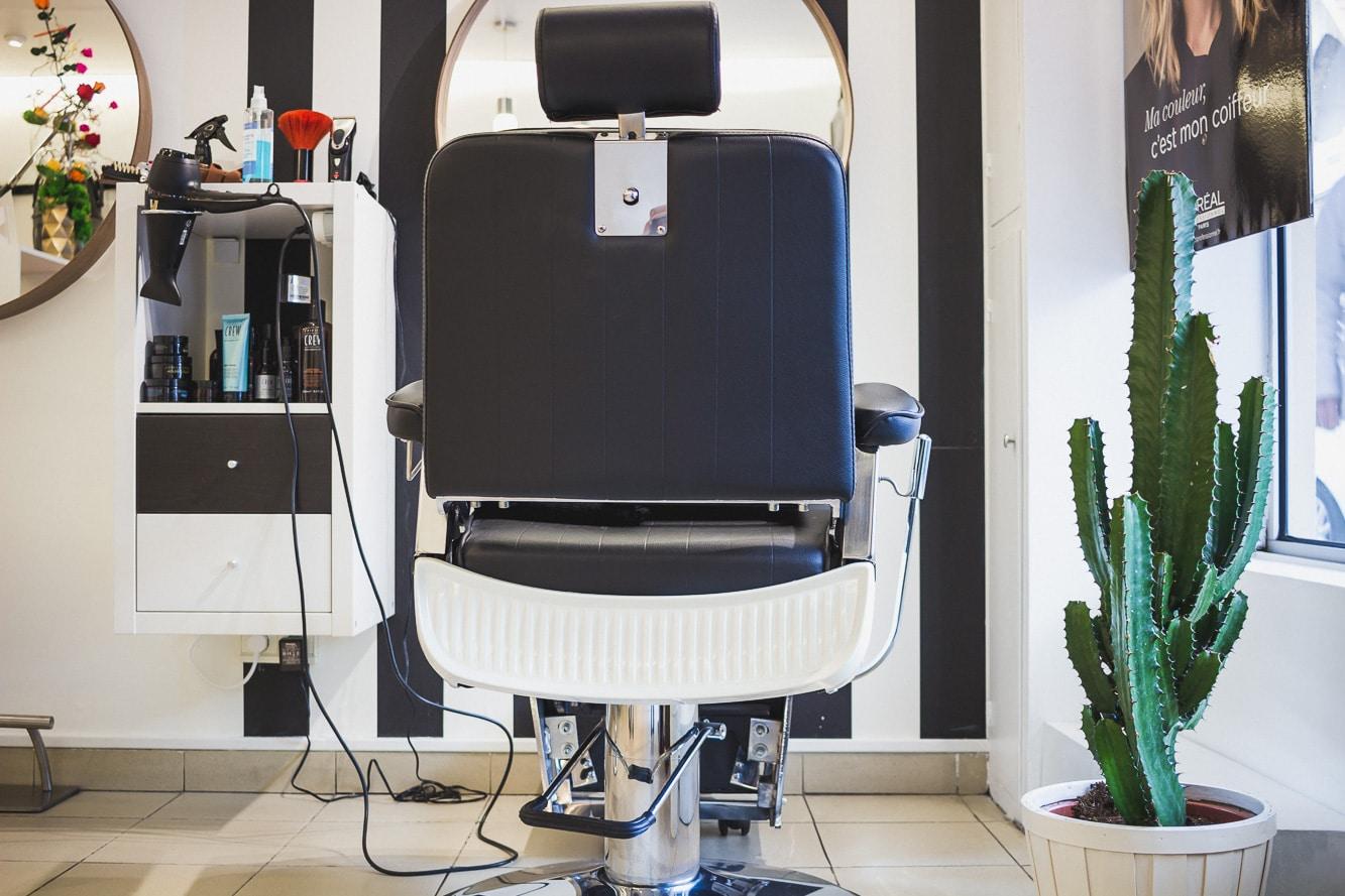 Salon de coiffure et barbier Atelier du Ciseau à Biarritz
