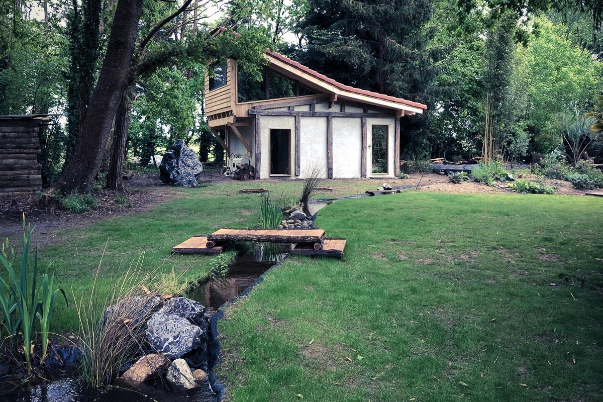 Logement insolite Coco Barn Wood Lodge à Angresse dans les Landes près de Hossegor : chambre hôte et mariage