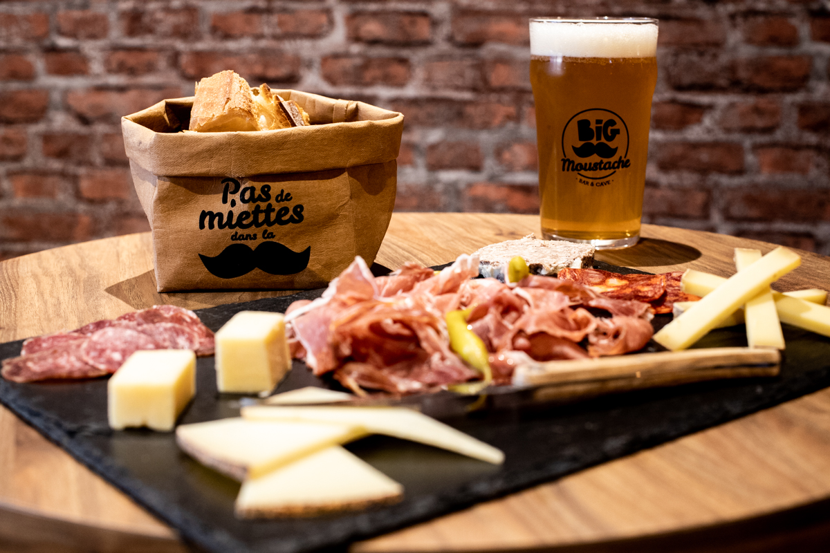 Big Moustache, Bar et Cave à Bières à Anglet