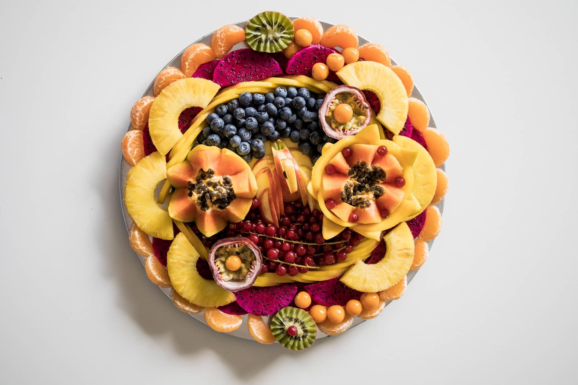 La Fruiterie : plateaux et cornets de fruits décortiqués
